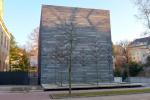 Dagmar Šubrtová - Rekultivace 2019 - instalace před depozitářem OGL