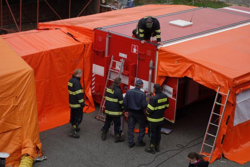 Taktické cvičení jednotek sboru dobrovolných hasičů v Turnově<br />Autor: HZS Libereckého kraje
