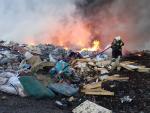 Požár skládky v Košťálově