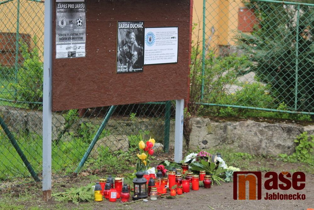 Vzpomínka na mrtvého kamaráda Jardu Ducháče<br />Autor: Jiří Macek