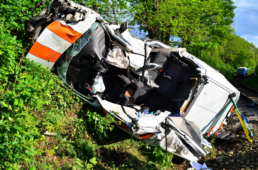 Nehoda dodávky a vlaku u Stráže nad Nisou<br />Autor: HZS Libereckého kraje, Jaromír Mottl