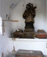 Kaplička ve Volavci před opravou