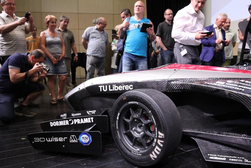 Představení Formule fakuly strojí TUL pojmenované Anička<br />Autor: Archiv TUL