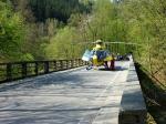 Záchranný vrtulník převážel zraněnou holčičku