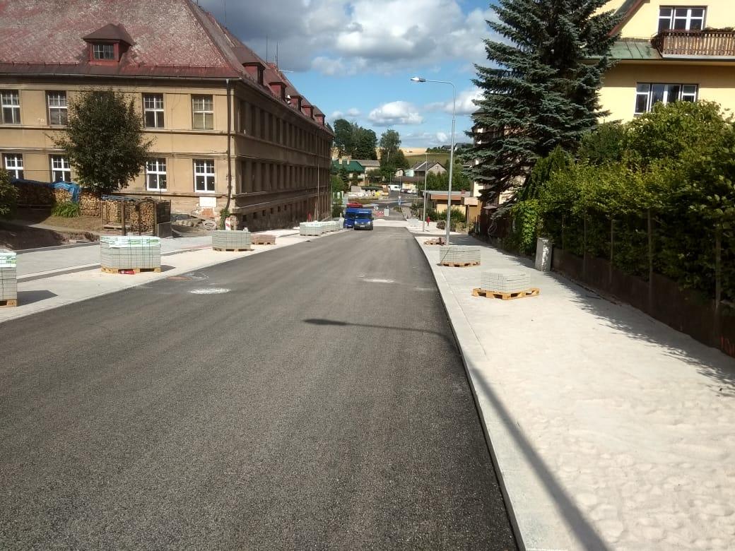 Rekonstrukce Žižkovy ulice a stavba kruhových objezdů v Jilemnici<br />Autor: David Lukeš
