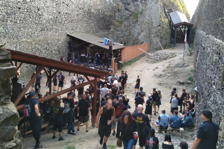 Benefiční metalový koncert na hradě Trosky pro Samíka<br />Autor: Archiv KÚ Libereckého kraje