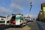 V Nádražní ulici v Turnově osazují sloupy veřejného osvětlení