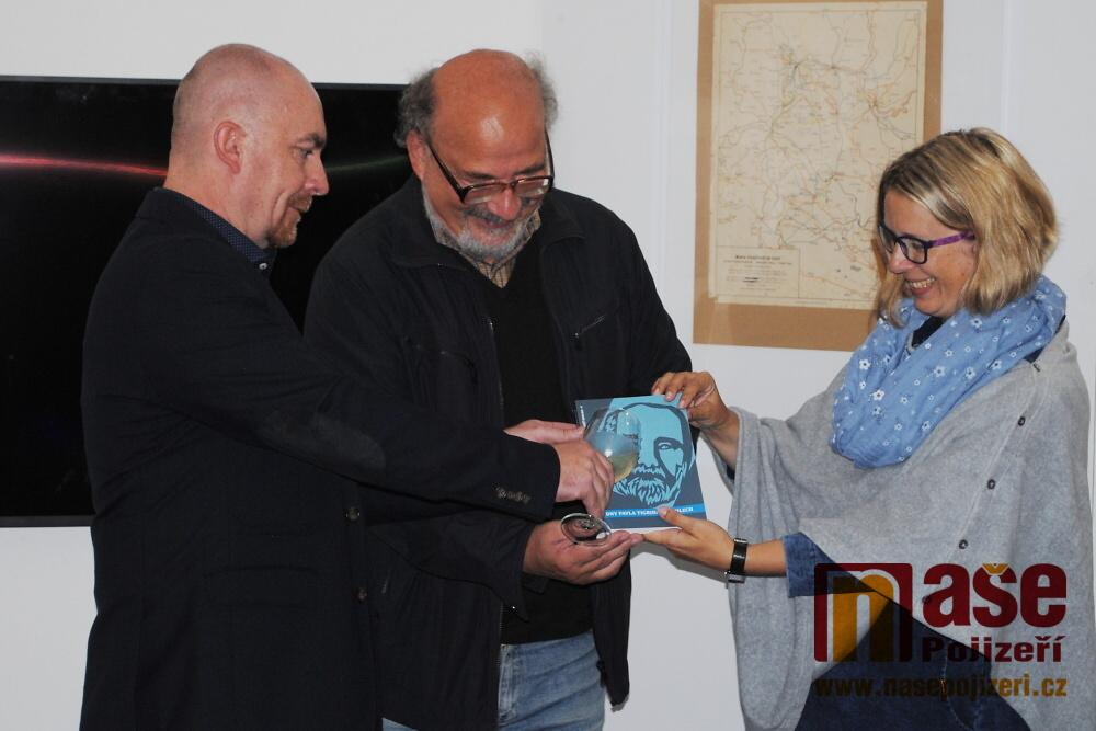 Vernisáž výstavy Sametová revoluce v Semilech<br />Autor: Petr Ježek