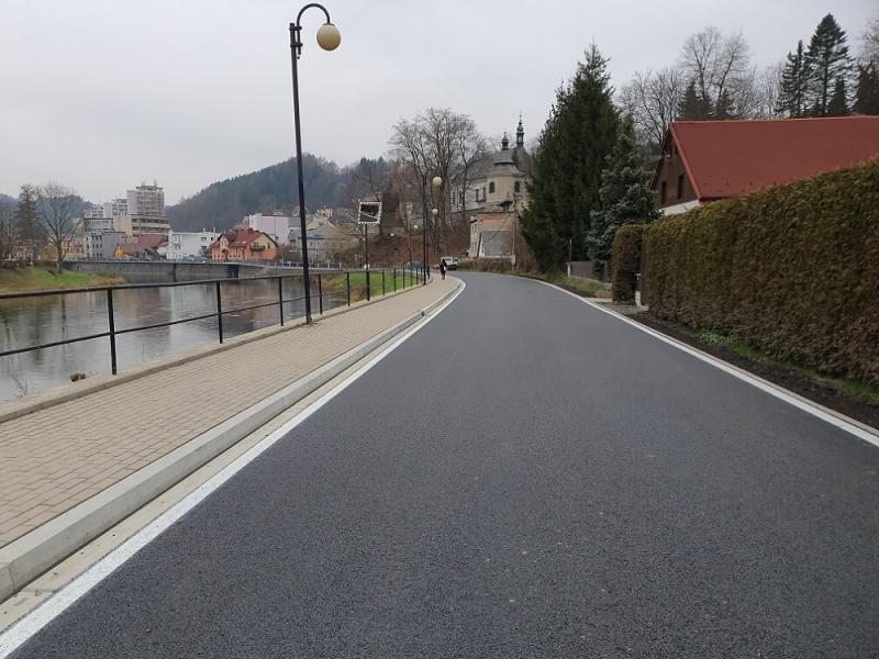 Rekonstruovaná ulice Obránců míru v Železném Brodě<br />Autor: Archiv KÚ Libereckého kraje