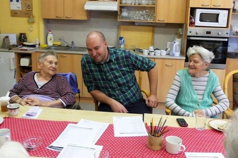 Pořad Kluci v akci natáčený v Domově důchodců v Rokytnici nad Jizerou<br />Autor: Archiv KÚ Libereckého kraje