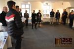 FOTO: Výstava výrobků z Kovozávodů lákala na zahájení i zaměstnance