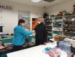 Krajští hasiči dostali stovky roušek od firmy Krasohled Liberec