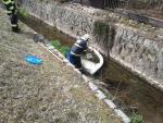 Hasiči zasahovali při úniku oleje do řeky Jilemky