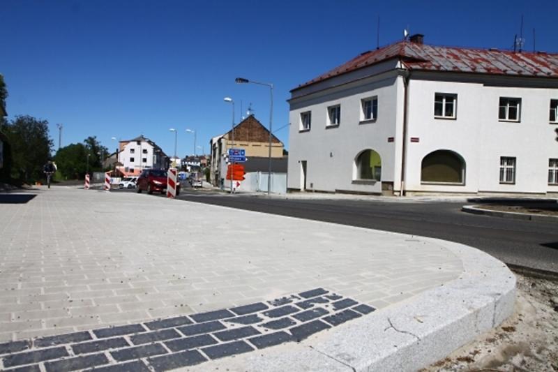 Rekonstrukce silnice II/610 v Turnově až na hranici kraje<br />Autor: Zdenka Štrauchová