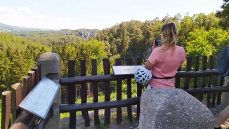Popisky panoramatických pohledů z vyhlídky na Valdštejně<br />Autor: Archiv RTIC Turnov