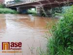 Zvýšená hladina řeky Jizery v Semilech