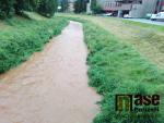Zvýšená hladina řeky Olešky v Semilech