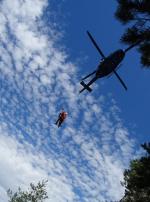 Ve skalní oblasti Vlhošť cvičili hasiči záchranu osob ze skalního masivu