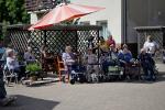 Seniorům v Domově důchodců v Rokytnici nad Jizerou zazpívala populární zpěvačka Magda Malá