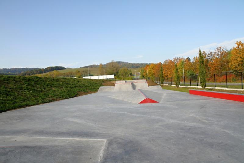 Nový skatepark v prostoru fotbalového areálu Vejsplachy ve Vrchlabí