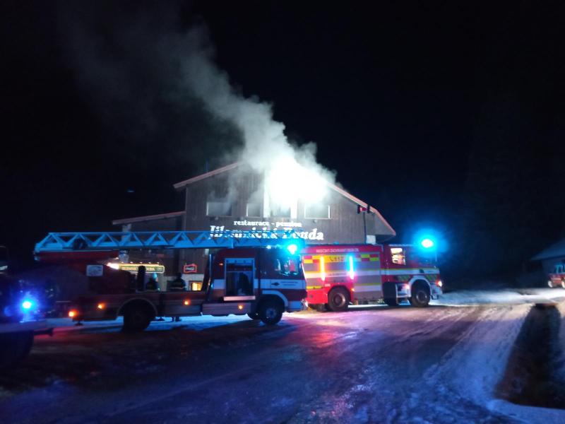 Požár Jilemnické boudy na Horních Mísečkách<br />Autor: HZS Libereckého kraje