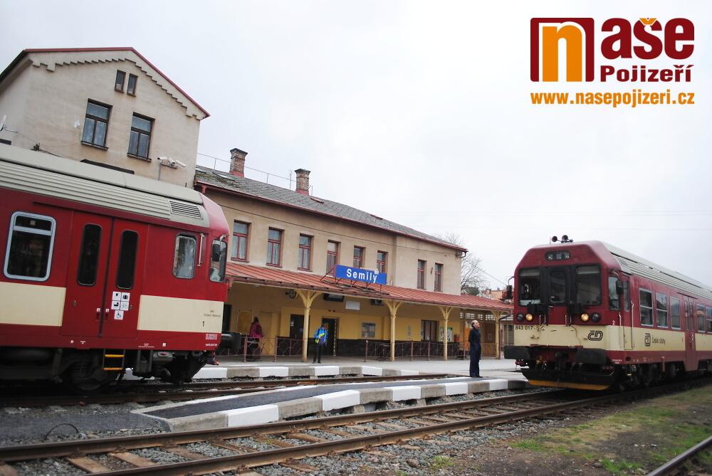 Vlak 843 Český drah už na semilském nádraží nepotkáte<br />Autor: Petr Ježek