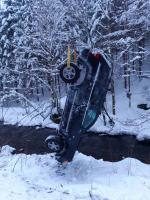 Nehoda ve Vítkovicích, při které auto sjelo do koryta řeky