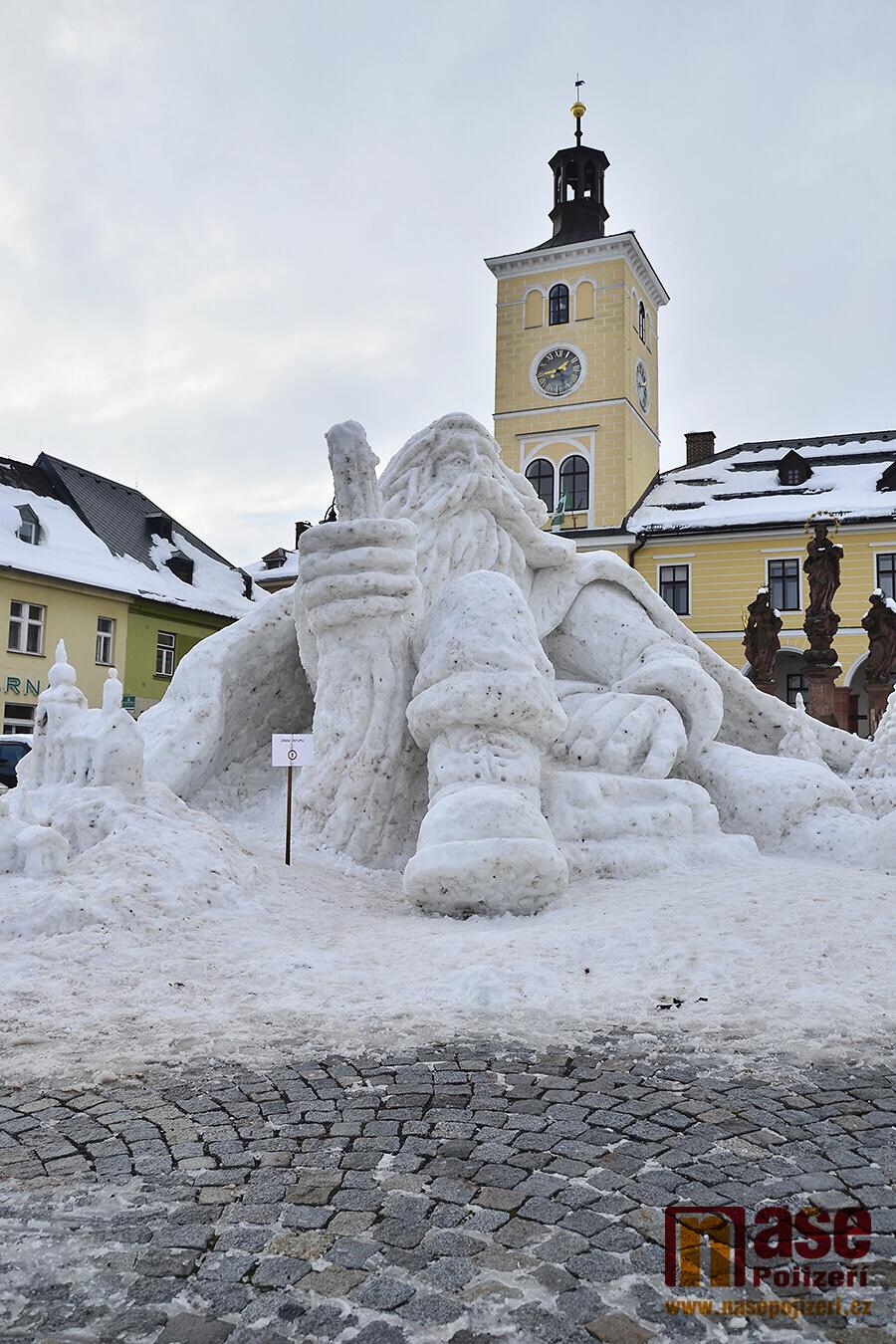 Dokončená sněhová socha Krakonoše na jilemnickém náměstí<br />Autor: Vratislav Pospíchal