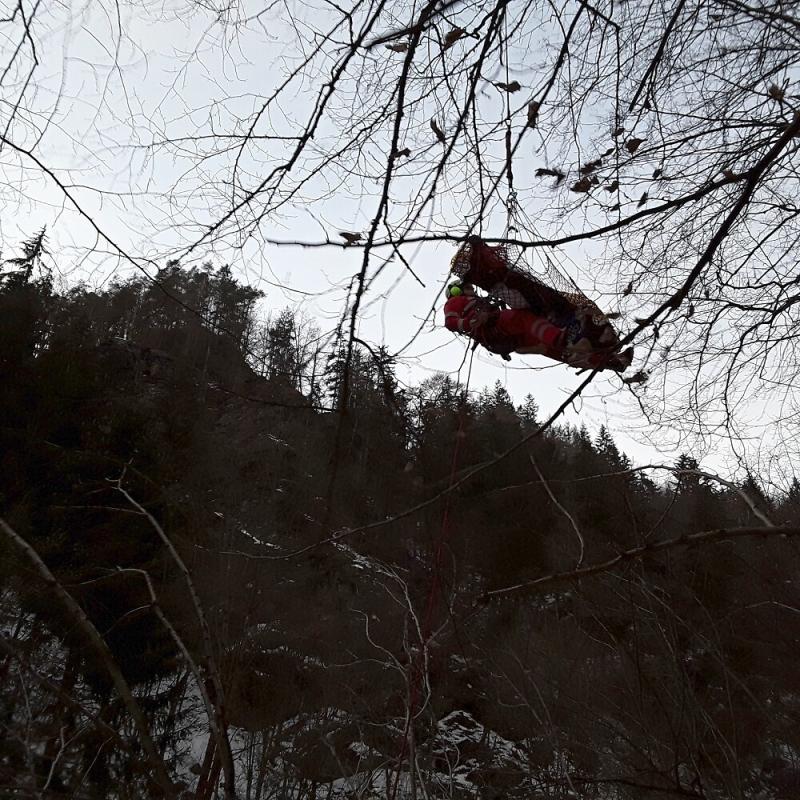 Záchrana osoby na Riegrově stezce<br />Autor: HZS Libereckého kraje