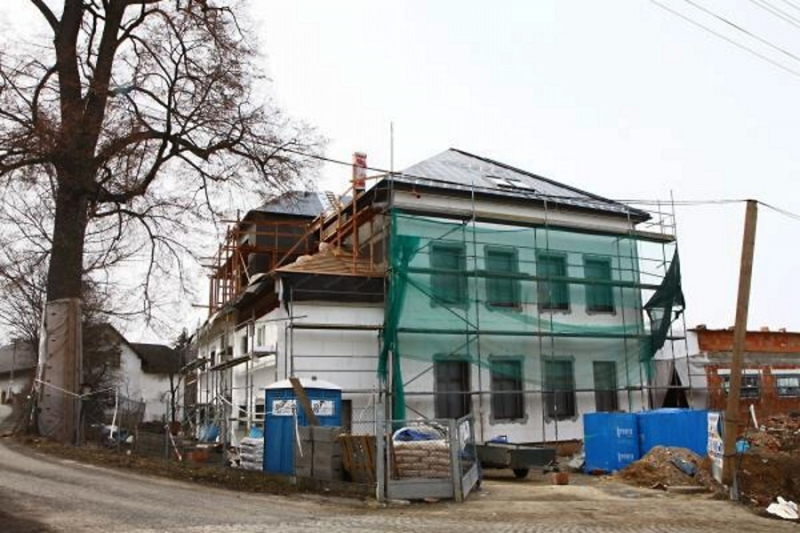 Zateplení starého objektu školy a stavba nového komplexu v Mašově