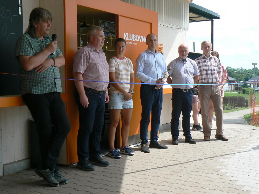 Slavnostní otevření kabin a zázemí na fotbalovém stadionu ve Studenci<br />Autor: Miroslav Jezdinský