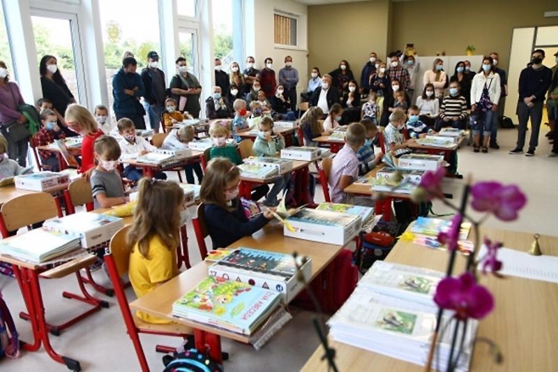 Vítání prvňáčků na mašovské škole<br />Autor: Zdenka Štrauchová