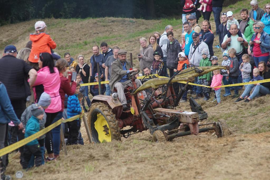 Sjezd a závody traktorů v Bozkově 2021<br />Autor: Karel Čermák