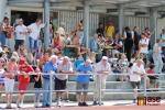 Diváci na stadionu