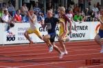Sprint an 100 metrů muži, vítěz Libor Žilka v černém