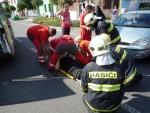 V turnovské Nádražní ulici se střetl motorkář s autem